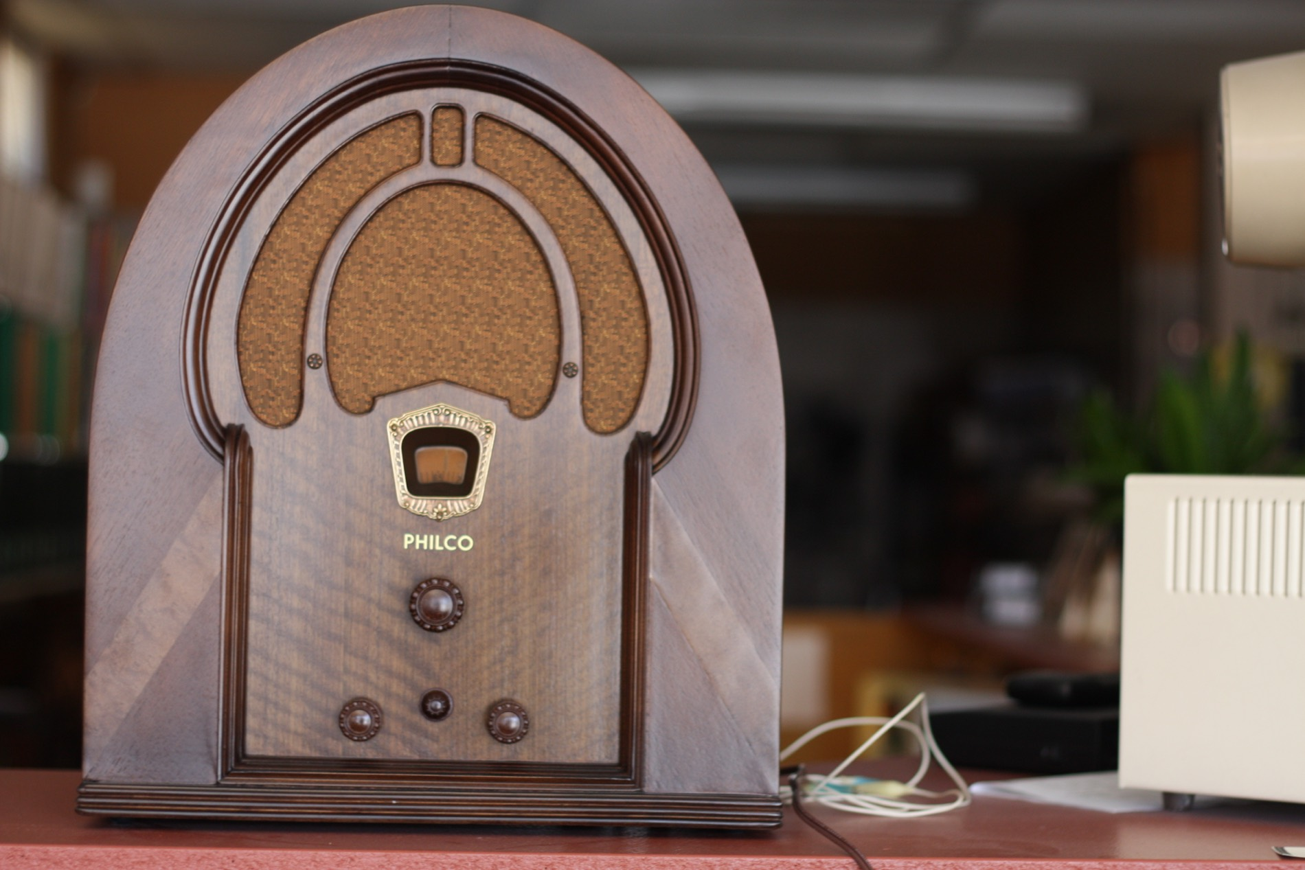 1933 Philco Cathedral Radio; The Logistics